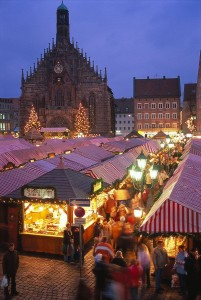 Stalls fill Hauptmarkt square outside of the Church of Our Lady at Nuremberg's Christmas market, Germany. Photo: Kiedrowski, Rainer, courtesy of GNTO